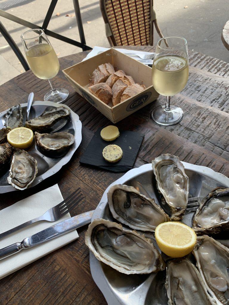 Austern und Weisswein