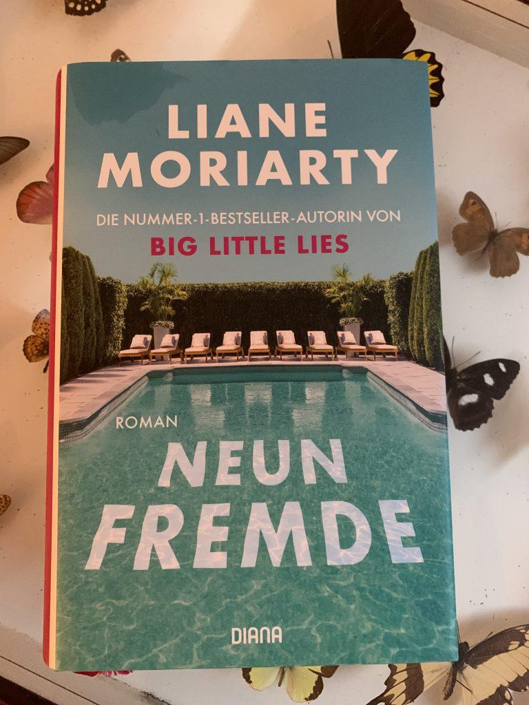 "Buchcover ""Neun Fremde"" von Liane Moriarty, Diana Verlag"